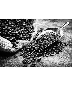 AK-DigiArt, Kaffeebohnen im Sack mit Schaufel - SW
