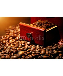 Aleks_ei, Coffee grinder with coffee beans