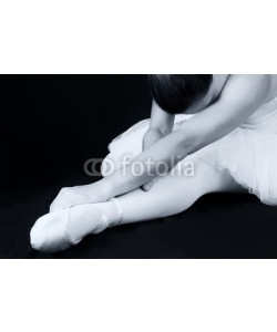 Alta Oosthuizen, Ballerina sit down on floor to put on slippers prepare  for perf