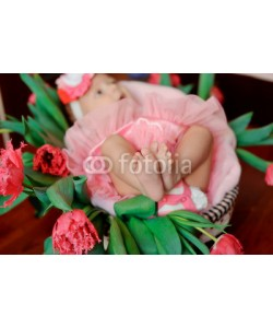 alekuwka83, in a basket of tulips is the baby in a pink dress with bare feet