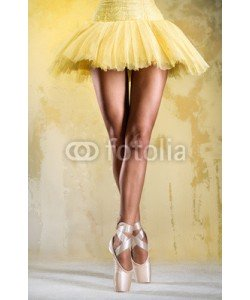 Alex Tihonov, Ballerina on point over obsolete wall