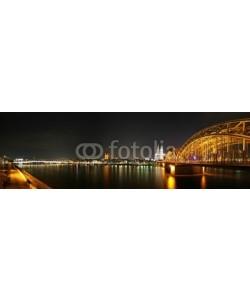 anweber, Nächtliches Panorama von Köln mit Rhein