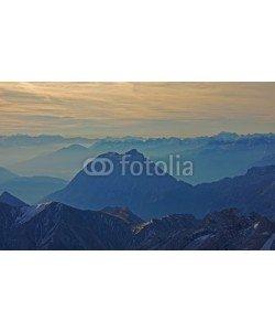 Bergfee, Zugspitzblick über die Bergwelt
