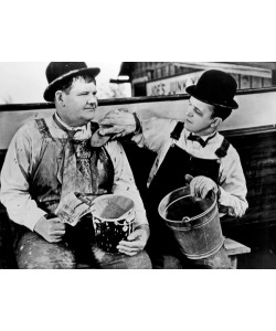 Hollywood Photo Archive, Laurel & Hardy - Towed in a Hole, 1936