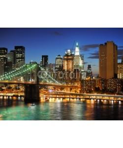 dell, New york Manhattan bridge after sunset