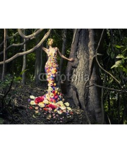 George Mayer, Beautiful lady in dress of flowers