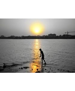 Hady Khandani, COLORSPOT - BOY AT RIVER GANGA