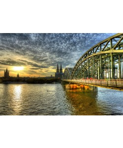 Hady Khandani, HDR - COLOGNE CATHEDRAL AND HOHENZOLLERN BRIDGE IN TWILIGHT - GERMANY 06