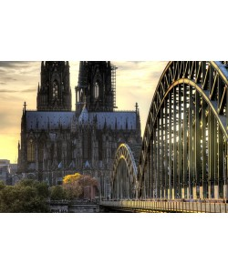 Hady Khandani, HDR - COLOGNE CATHEDRAL AND HOHENZOLLERN BRIDGE IN TWILIGHT - GERMANY 08