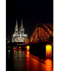 Hady Khandani, COLOGNE CATHEDRAL AND HOHENZOLLERN BRIDGE BY NIGHT