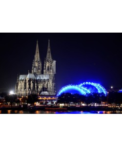 Hady Khandani, COLOGNE CATHEDRAL AND MUSICAL DOME BY NIGHT 1