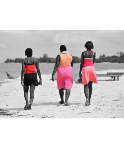 Hady Khandani, COLORSPOT - BEACH LADIES IN POINTE DENISE - GABON