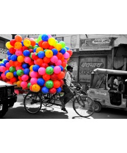 Hady Khandani, COLORSPOT - BOY WITH BALLOONS - INDIA
