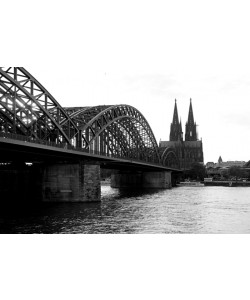Hady Khandani, Monochrome COLOGNE HOHENZOLLERN BRIDGE - GERMANY