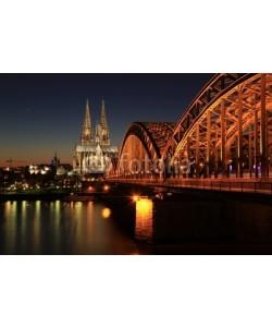 kuegi, Kölner Dom bei Nacht
