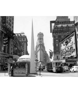 Ruth Orkin  Times Square