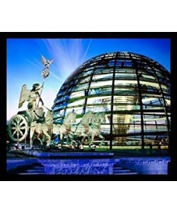 Gerahmtes Bild, Holz, Huber Images, Reichstagkuppel/Quadriga