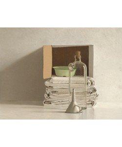 Willem de Bont, Cloths, Box, Bottle, Bowl and Funnel